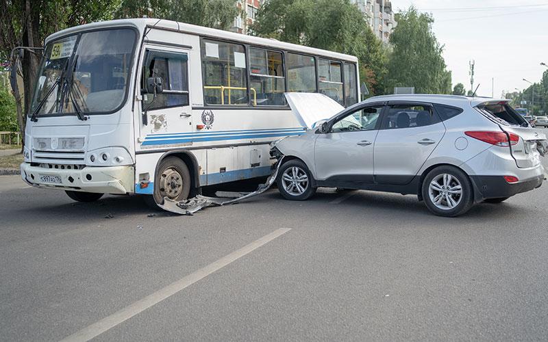 bus crashes in calgary